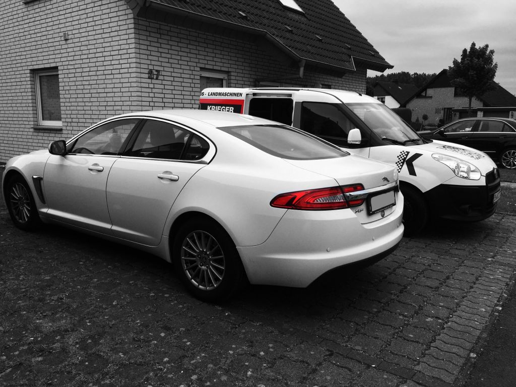 vor ort in bielefeld jaguar xf 2 2d chip tuning in nrw. Black Bedroom Furniture Sets. Home Design Ideas